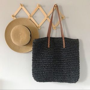KENNETH COLE • straw shopper tote
